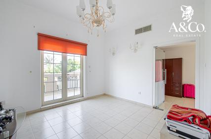 Vacant On Transfer Open Layout Lake View