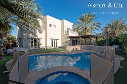Stunning Upgrades | Private Pool | VASTU
