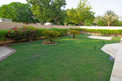 |4 Bed | Great Location | Close to Pool|
