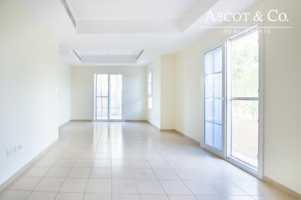End Unit    Well Maintained   Vacant Now