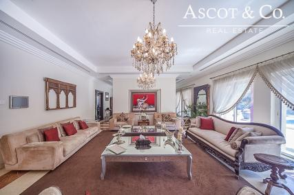 Extended L1 Hattan 6 Bed with Private Pool