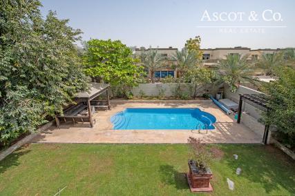 Vacant on Transfer | 4 Bedroom Villa | Regional | Swimming Pool
