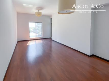 Property Managed   Lake View Low Floor  