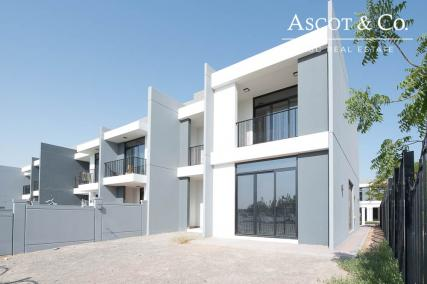 4 BED End Unit   Payment Plan   Vacant Now