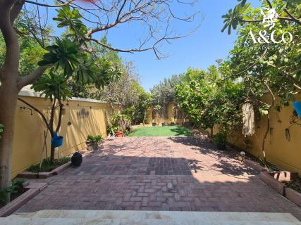 1Bed|Vacant |Landscaped Garden|6 Cheques